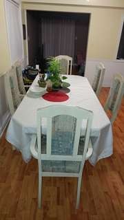 Dining table with chairs included