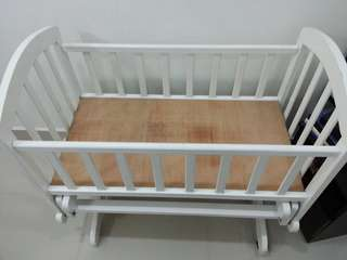White Baby Swing Cot FOR URGENT SALE