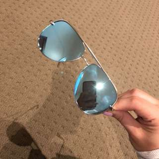 QUAY High Key x Desi Perkins (Blue mirror frame)