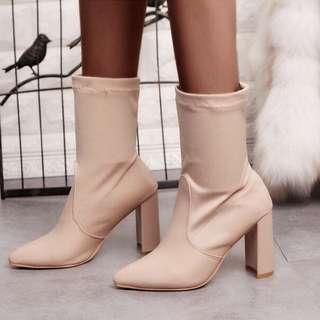 🚚 「新品推薦」大尺碼歐美時尚百搭彈性布拼接粗跟短靴