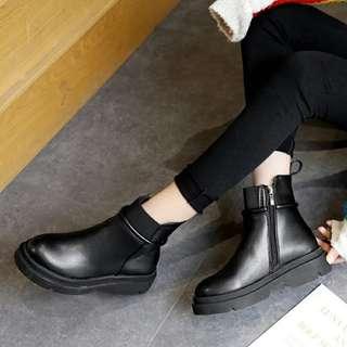🚚 英倫風側拉鏈厚底短靴