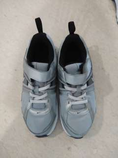 Nike kids shoes-worn once