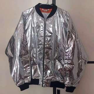全新MCQ型格銀色反光外套