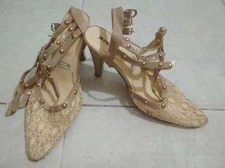 Sepatu brukat gladiator