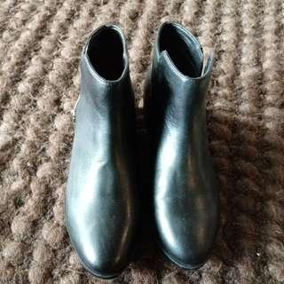 Boots brand aldo