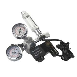 Dual gauge Carbon Dioxide (CO2) regulator with solenoid