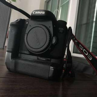 Canon 7D with accessories