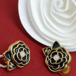🌹Chanel Vintage Clip On Earring🌹
