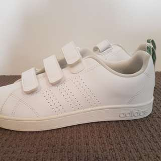 BRAND NEW ADIDAS NEO SNEAKERS