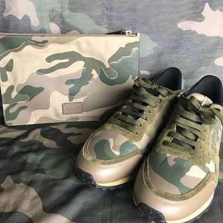 valentino camouflage clutch n sneakers set