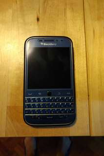 BlackBerry Classic Blue Limited Edition (case included)