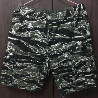 🚚 迷彩短褲 s