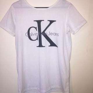Calvin Klein Tshirt