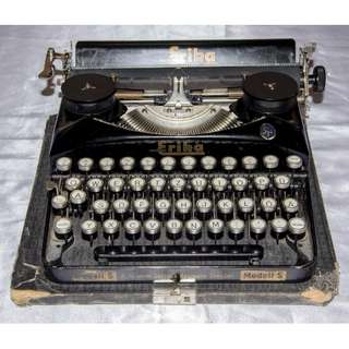 ANTIQUE VINTAGE ERIKA GERMANY MECHANICAL TYPEWRITER