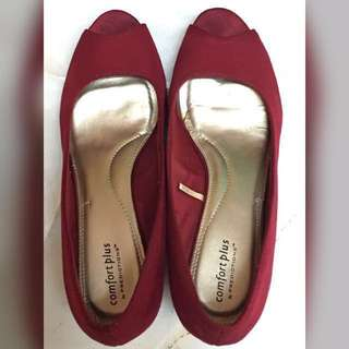 Maroon Wedges- Size 9