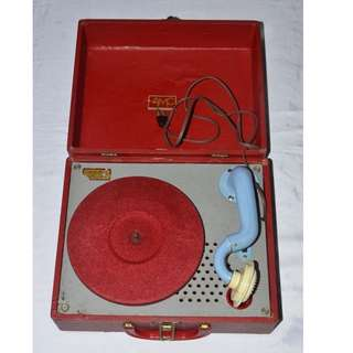 VINTAGE ANTIQUE AMC USA ELECTRIC GRAMOPHONE