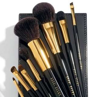 Bobbi Brown Brush (second hand 95% new) with Conditioning Brush Cleanser (new)