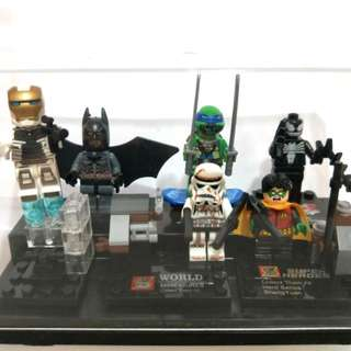 Box of 6 Mini Figure Collectibles
