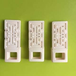 Fake ivory clip holder for shama, hui bee bird cage