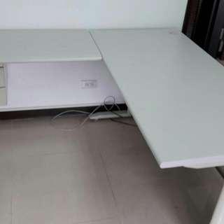 L型主管辦公桌150*60+側桌45*90含兩抽吊櫃