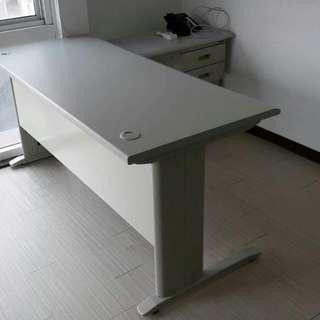 L型辦公桌150*70+側桌90*45含吊櫃