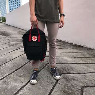 Classic Fjallraven Kanken Black with Red Stripes High Quality ( REPLICA )