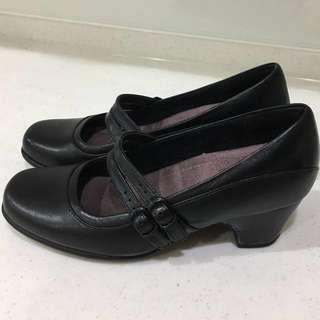 Clarks黑色矮跟氣墊鞋 5號半