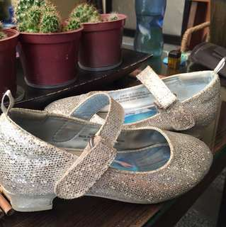 FROZEN SILVER DOLL SHOES