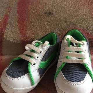 sepatu anak 1 tahun