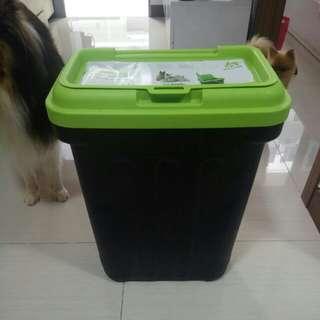 Dog food dry box 15kg