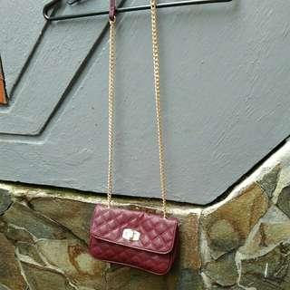 maron sling bag