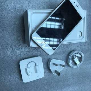 IPhone8 64GB GOLD 全新 只開盒 未使用 新機膜未撕