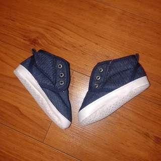 Sepatu anak prewalker