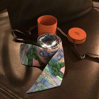 Hermès twilly with box THE PRICE ONLY ONE