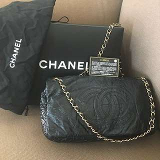 100% Authentic Chanel Chain Bag 漆皮