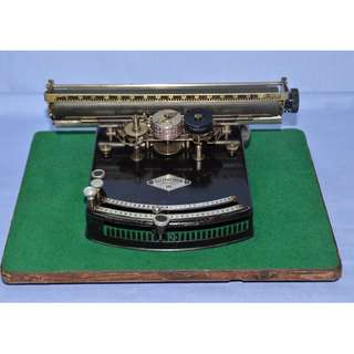 VINTAGE ANTIQUE GUNDKA III MECHANICAL TYPEWRITER / INDEXWRITER FROM GERMANY