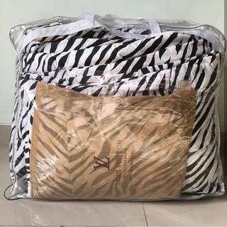 Badcover leopart zebra
