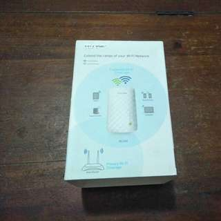 TP-LINK AC 750 Wifi range extender.Model No.RE200