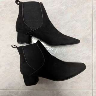 Brand New ASOS Chelsea Ankle Boots Black