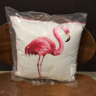 Bantal Flamingo