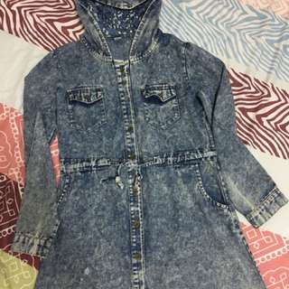 Washed maong dress with hood