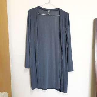 🚚 藍灰色長版罩衫,冷氣房大太陽都實穿#冬季衣櫃出清