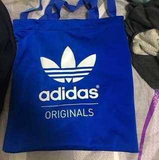 Adidas originals 深藍背包+天空藍側包,8成新