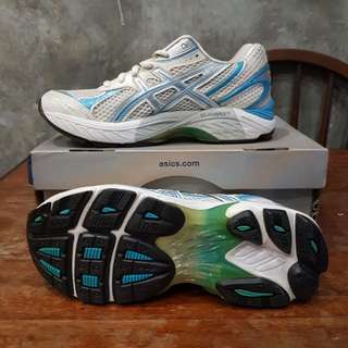 ASICS Running Shoes Size US7