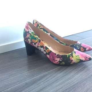 Floral boxed heel