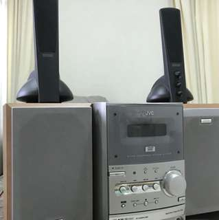 Hi-Fi player with 4 speakers