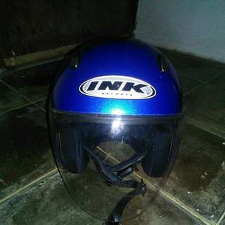 Helm INK warna biru