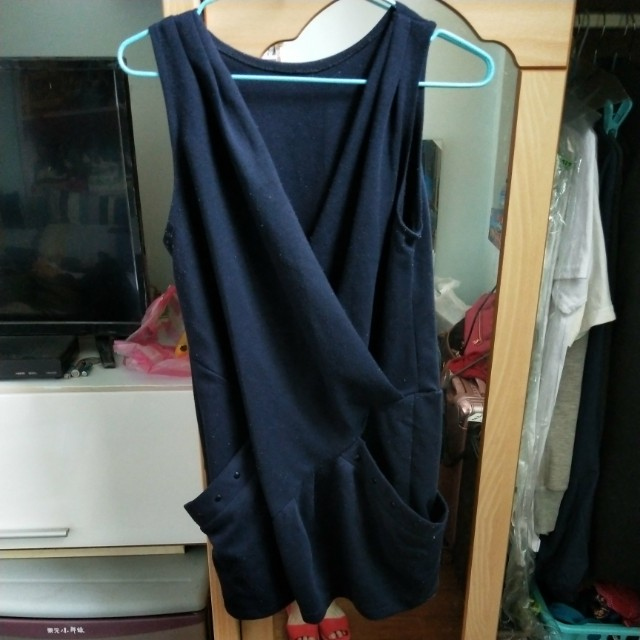 深藍色連身裙可當洋裝
