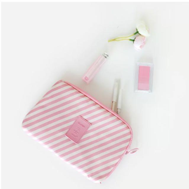 粉紅條紋旅行收納包 化妝包 3C包