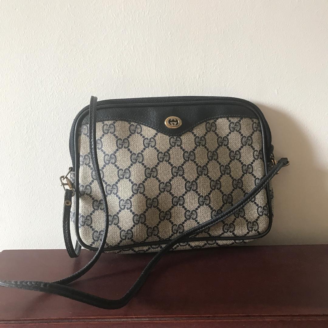 135d3e8f921 Authentic Gucci vintage sling bag